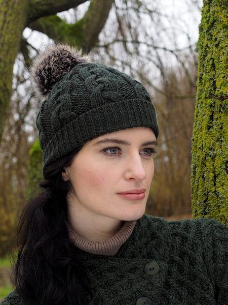 bonnet irlandais vert en pure laine à pompon